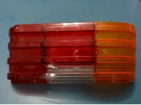 MERCEDES W114 / W114 PLASTICA POSTERIORE DESTRA REAR RIGTH LENS GEMME